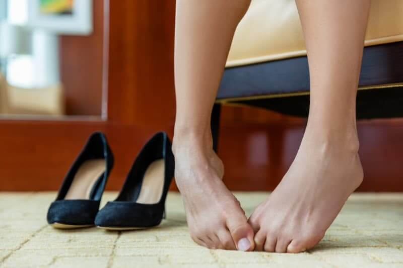 足が臭くなる原因とメカニズム