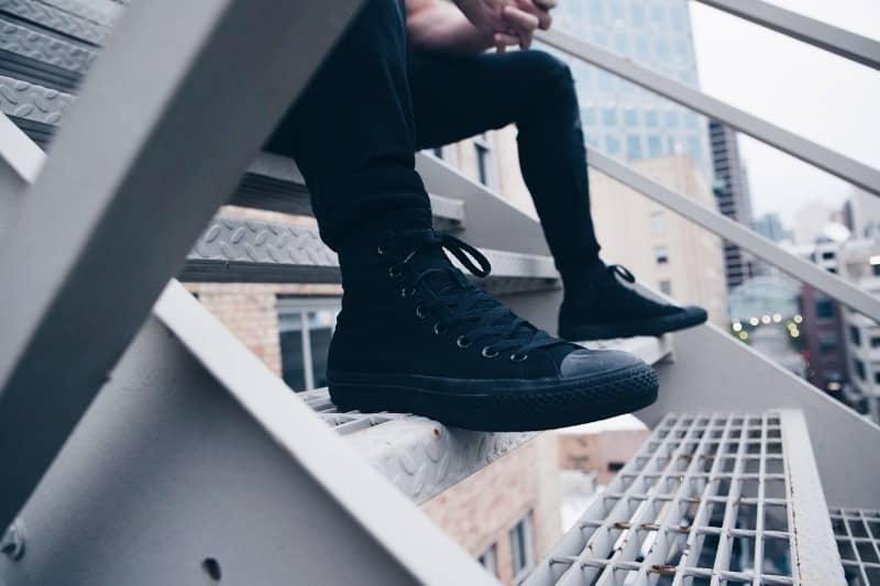 男性の足の臭い悩み