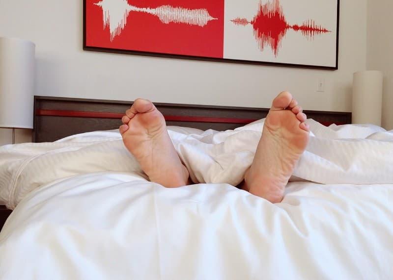 重曹で足の臭いが消えない時の対処法